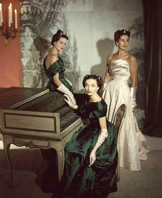 """Le donne che hanno cambiato il mondo, non hanno mai avuti bisogno di """"mostrare"""" nulla, se non la loro intelligenza. Rita Levi Montalcini"""
