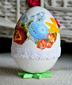 decoupage egg https://www.facebook.com/pages/Handmade-by-Asia-Z/900838673269574