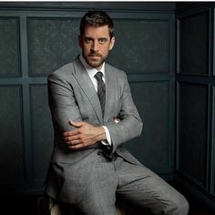"""tomford: """"Aaron Rodgers in TOM FORD at the Vanity Fair 2017 ESPYS portrait studio. Photographed by Mark Seliger. Aaron Rogers, Rodgers Packers, Mark Seliger, Vanity Fair Magazine, Costume Sexy, Packers Football, Packers Baby, Football Memes, Sharp Dressed Man"""