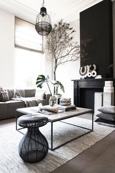 7 Living Room Color Schemes that will Make Your Space Look Professionally Designed - The Trending House Room Colors, Rustic Chic Decor, Decor, Interior Design, House Interior, Living Room Color Schemes, Home, Interior, Home Decor