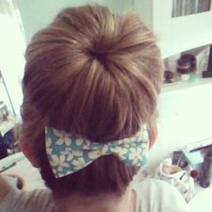 the best and fastest way to style your hair - the sock bun with a hair bow! Tutorial on how to make no sew hair bows in five minutes!