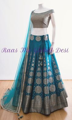 Get yourself dressed up with the latest lehenga designs online. Explore the collection that HappyShappy have. Select your favourite from the wide range of lehenga designs Party Wear Indian Dresses, Designer Party Wear Dresses, Indian Gowns Dresses, Indian Bridal Outfits, Dress Indian Style, Indian Fashion Dresses, Indian Designer Outfits, Indian Wear, Designer Bridal Lehenga