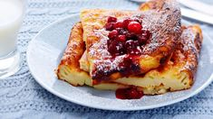 Pancake and cranberry puree, Food And Drinks, Milk money makes pancake nutritious. With a pancake, you can taste berry puree. Mix it easily with frozen cranberries and sugar. Frozen Cranberries, Sweet Tooth, Pancakes, French Toast, Deserts, Goodies, Food And Drink, Sweets, Snacks