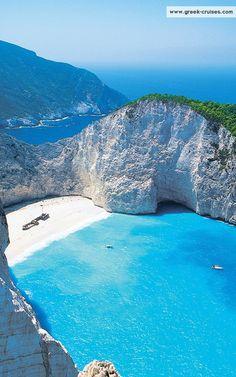 Zakynthos, Greece 紅の豚に出て来る秘密の入り江って、地中海にホントにあるんだね。行ってみたい!