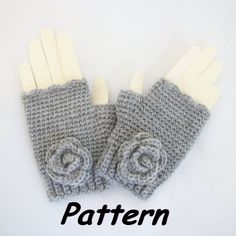 R0SEDEW on Etsy: Ribbed Cuff Fingerless Mittens w/Rosettes