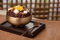 팥빙수 (Patbingsu), Korean dessert.