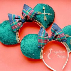 Brave Merida Minnie Mouse Ears - Engelhart Designs - Pine Green Velvet Mickey Mouse Ears with Plaid Bow - Disney Headband Disney Ears Headband, Disney Headbands, Ear Headbands, Disney Diy, Disney Girls, Disney Ideas, Disney Mickey Ears, Minnie Mouse, Brave Princess