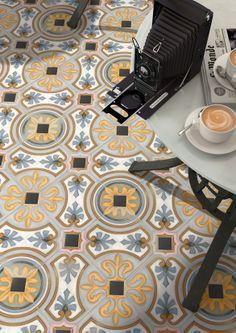 Verkrijgbaar bij Tegelstudio Wageningen Floor tiles range Vodevil in size, is a porcelain tile with encaustic like finish. Floor Patterns, Tile Patterns, Tub Tile, Tile Floor, Mosaic Tiles, Wall Tiles, Floor Design, Tile Design, Carpet Design