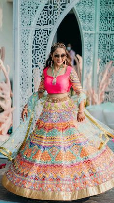 Indian Gowns Dresses, Indian Fashion Dresses, Black Wedding Dresses, Bridal Dresses, Mexican Quinceanera Dresses, Mexican Dresses, Mehendi Outfits, Pakistani Fashion Party Wear, Bridal Lehenga Collection