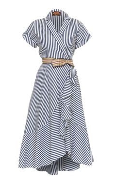 This **Lena Hoschek** Carolina Wrap Dress features short sleeves with a v-neckline and shirt dress silhouette. Source by lmchellsen Dresses Simple Dresses, Casual Dresses, Casual Outfits, Fashion Dresses, Summer Dresses, Wrap Dresses, Trendy Dresses, Cute Outfits, Dress Skirt