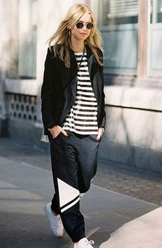 Pernille in a striped tee, blazer and bag b&w pants #style #fashion #streetstyle