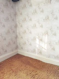 How to Easily Apply Paint Over Hard to Remove Wallpaper is part of painting Walls Wallpaper - Old wallpaper can be difficult to remove and can even destroy the wall beneath it, but you can easily paint over it and get a newlooking finish Wallpaper Over Wallpaper, Painting Over Wallpaper, Bathroom Wallpaper, Painting Walls, Painting Tips, Painting Bedrooms, Wallpaper Patterns, Chalk Painting, House Painting