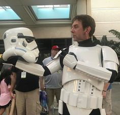Alas poor Yorick! I knew him Horatio; a fellow of infinite jest of most excellent fancy; he hath borne me on his back a thousand times; and now how abhorred in my imagination it is!...a storm trooper with a future in Shakespeare...maybe a Galactic Hamlet? #501stlegion #501st #starwarscelebration2017 #starwarscelebration #swco #stoormtrooper #hamlet #pooryorick #shakespeare #starwars