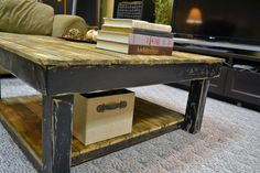 Transforming a Reclaimed Wood Pallet into a Beautiful Coffee Table  Hometone