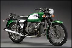 Moto Arte Design Classic motorcycle exhibit. (80 hi def pics) *56K go away*