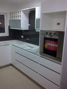 El color gris es sofisticado y elegante adem s de ser un - Alacenas de cocinas ...