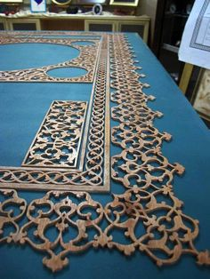 Saving this one for future design ideas. Islamic Architecture, Art And Architecture, Moroccan Art, Plafond Design, Islamic Patterns, Laser Cut Wood, Islamic Calligraphy, Deco Design, Ceiling Design