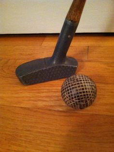 Golf Clubs Vintage Schenectady Putter and gutty ball Hickory Golf, Vintage Golf Clubs, Best Golf Clubs, Golf Art, Woods Golf, Golf Fashion, Golf Tips, Golf Courses, Golf Style