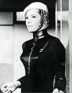 Diana Rigg as Emma Peel. Emma Peel, The Avengers, Diana Riggs, Dame Diana Rigg, Uk Tv Shows, Best Avenger, Gal Gabot, Female Actresses, Classic Beauty