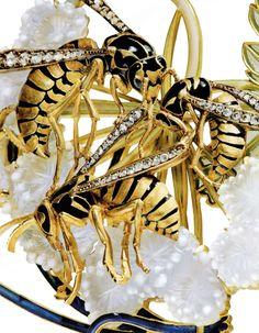 Lalique. Detail of 'Wasp' Pendant Necklace