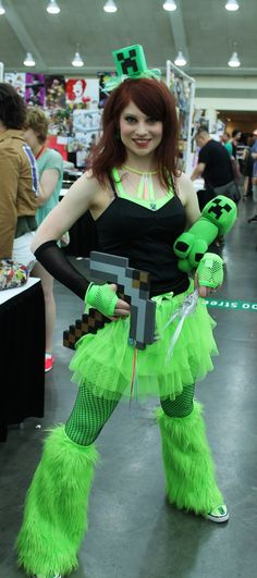 Minecraft Creeper Cosplay! Gives me ideas....=]