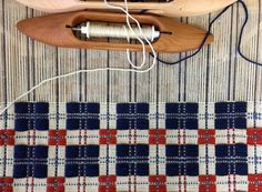 Block-Patterned Americana Pillow on the Wolf Pup – Schacht Spindle Company Swedish Weaving Patterns, Loom Patterns, Stitch Patterns, Knitting Patterns, Loom Weaving, Hand Weaving, Types Of Weaving, Weaving Textiles, Weaving Projects