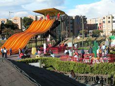 Parque Mundo Aventura - Construcción infraestructura - estructura, acabados e instalación para varias edificaciones, módulos y obras de urbanismo. Año de construcción: 1998 Ciudad: Bodotá, Santafé De Bogotá, Colombia. Cliente: Corparques