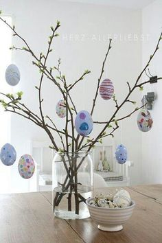 Come fare l 39 albero di pasqua 22 idee di decorazioni fai da te pasqua easter easter tree e - Albero di pasqua idee ...