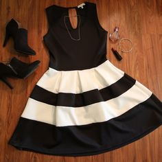 Never-Been-Worn Date Night Dress This super cute and super comfy Charlotte Russe dress is perfect for date night or a night out! This dress is new without tags! Never been worn! Charlotte Russe Dresses