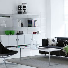 String panels form the basis for the entire String shelving system. String side panels are mounted on the wall using screws, and they can be combined with the shelves and other elements of String System in numerous different ways. Modern Home Furniture, White Furniture, Living Room Furniture, Furniture Design, String System, Interior Styling, Interior Design, White Rooms, Living Room Inspiration