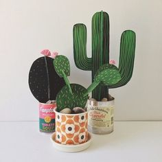 Originales centros de cactus caseros para una fiesta vaquera Having an Australia Day with a twist, mexican food. It was a good excuse to make some of beci orpin's card cactus. Kids Crafts, Diy And Crafts, Arts And Crafts, Diy Paper, Paper Art, Diy Projects To Try, Craft Projects, Papier Diy, Paper Plants