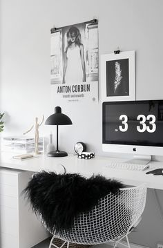 Love this office. Pure, Modern, Emotional and Inspiring. Congrats to the owner of one of my favorite blogs Stylizimo for this great styling!
