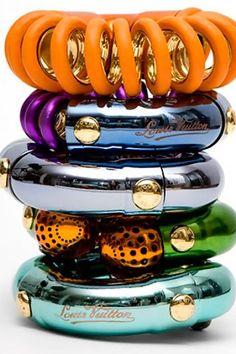 Louis-Vuitton-spring-2010-bangles-stacking