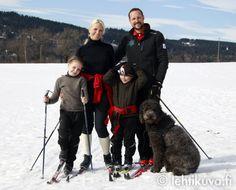 Crownprince Haakon & Crownprincess Mette Marit and their children