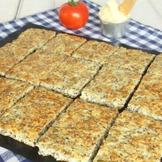 Useful cottage cheese without flour-Nyttigt Kesobröd utan mjöl Useful cottage cheese without flour - Healthy Recepies, Healthy Eating Recipes, Low Carb Recipes, Baking Recipes, Love Food, A Food, Food And Drink, Low Calorie Vegan, Swedish Recipes