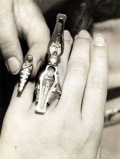 1933 : Egyptian sarcophagus ring