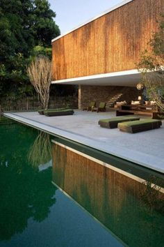 Amazing Timber Cladding Ideas to Spike up Your Building Design – PİSCİNA Modern Landscape Design, Garden Landscape Design, Modern Landscaping, Garden Landscaping, Contemporary Landscape, Home Design Decor, House Design, Design Ideas, Design Projects
