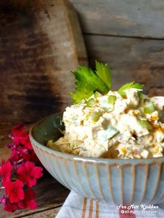 Kyllingsalat - Fra mitt kjøkken Potato Salad, Potatoes, Ethnic Recipes, Food, Red Peppers, Potato, Meals, Yemek, Eten