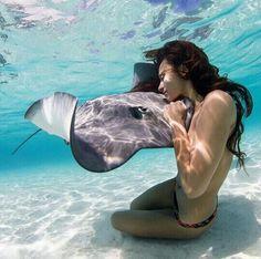 Underwater Photoshoot, Underwater Art, Underwater Photography, Amazing Photography, Post Vacation Blues, Diving World, Foto Pose, Ocean Life, Ocean Ocean