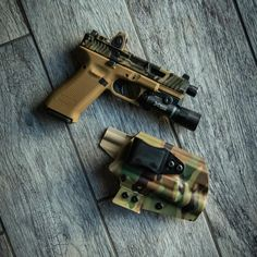 "QVO Tactical on Instagram: ""Digging this new build for my everyday carry. Glock 19x with a @dynamicweaponsolutions MRKIII Reaper slide in Callahan Camo with an Fde rmr…"""