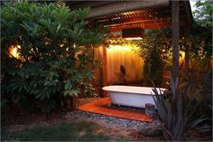 Beat the Heat: 20 Outdoor Showers or Outdoor Bathrooms to Cool You Down | http://www.designrulz.com/design/2015/07/beat-the-heat-20-outdoor-showers-or-outdoor-bathrooms-to-cool-you-down/
