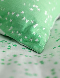 Fun childrens bedding set in vibrant green. With a simple stars design this bedding set is reversible and available in single and double sizes at Secret Linen Store. Childrens Bed Linen, Bed Linen Sale, Kids Bedding Sets, Green Bedding, Linen Store, Bedroom Accessories, Cotton Bedding, Star Designs, Kid Beds