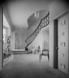 images of paul revere williams architect interiors Education Architecture, Architecture Details, Interior Architecture, American Mansions, Curved Staircase, Vintage Interiors, Design Your Home, Mid Century House, Mid Century Design