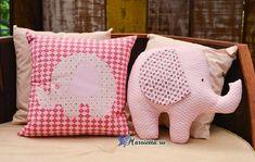 Molde para hacer una almohada de elefante Ideas de Manualidades Kids Pillows, Throw Pillows, Crafts To Sell, Fun Crafts, Quilted Pillow, Craft Business, Baby Shower Favors, Dinosaur Stuffed Animal, Sewing Projects