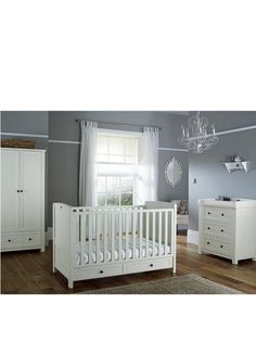 Silver Cross Nostalgia Cot Bed And Dresser