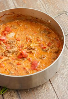 Quick, easy, and minimal prep required, this sausage and vodka pasta sauce can be served over gluten-free pasta to make the dish wheat free! Make sure your vodka is gluten-free! Vodka Sauce Pasta, Easy Pasta Sauce, Pasta Sauce Recipes, Pasta Sauces, Pasta Dishes, Pasta Bake, Spaghetti Sauce, Food Dishes, Italian Dishes