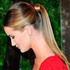 Rosie Huntington-Whiteley at the Oscars 2012 - Celebrity Red Carpet Hair And Beauty - Celebrity Red Carpet Hair And Beauty