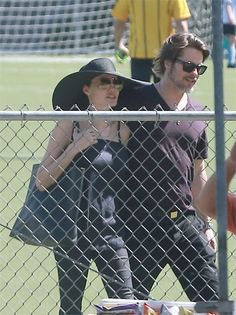 Angelina Jolie: «Tifiamo per le nostre ragazze» - VanityFair.it