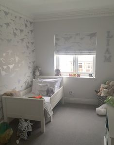 Yet more dino fun with our white & silver / grey 'D'ya-think-e-saurus' wallpaper. Shared by Lucy Kench who has done a really super job on her child's bedroom. She teamed the wallpaper
