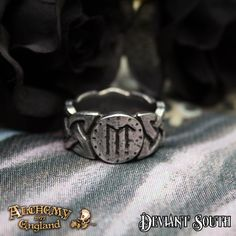Alchemy Gothic AG-R195 Viking Virility Runering UK W  A pewter, Viking knotwork band ring, with bindrune iconography.